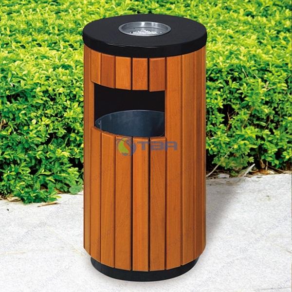 Thùng rác gỗ hình trụ tròn đặt công viên