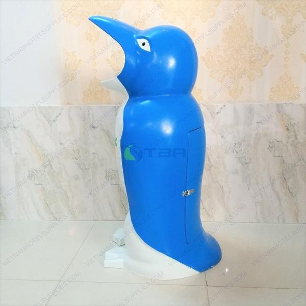 Thùng rác chim cánh cụt đặt công cộng