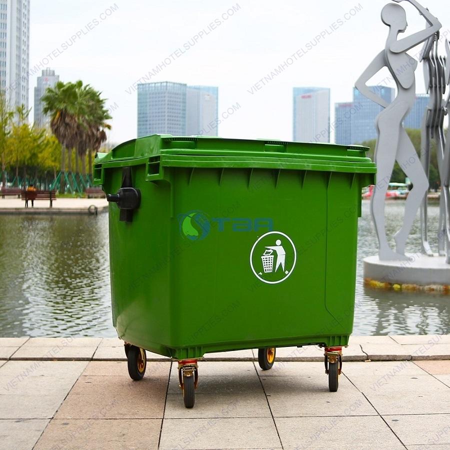 Xe đẩy thu gom rác công cộng nắp kín 660 lít