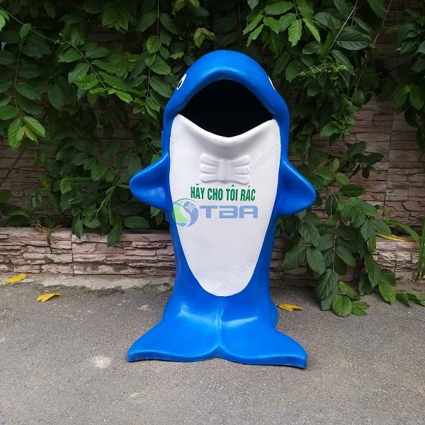 thùng rác thú cá heo đặt trong trường học - công viên công cộng
