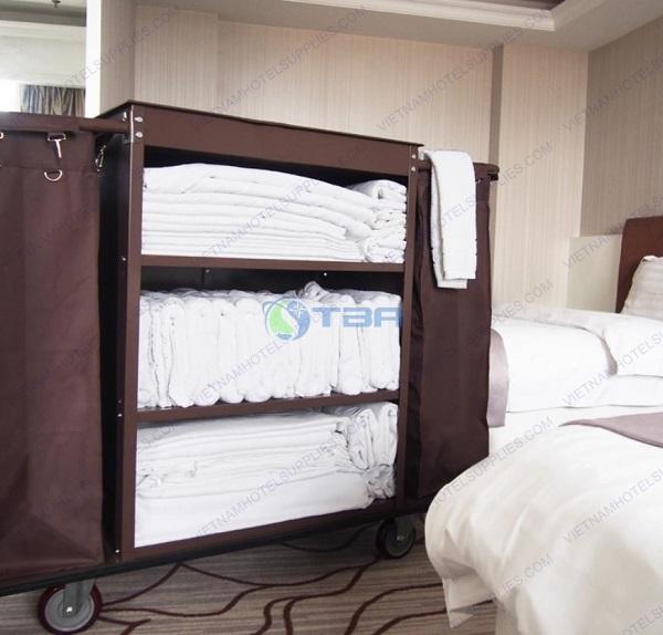 xe làm vệ sinh buồng phòng khách sạn