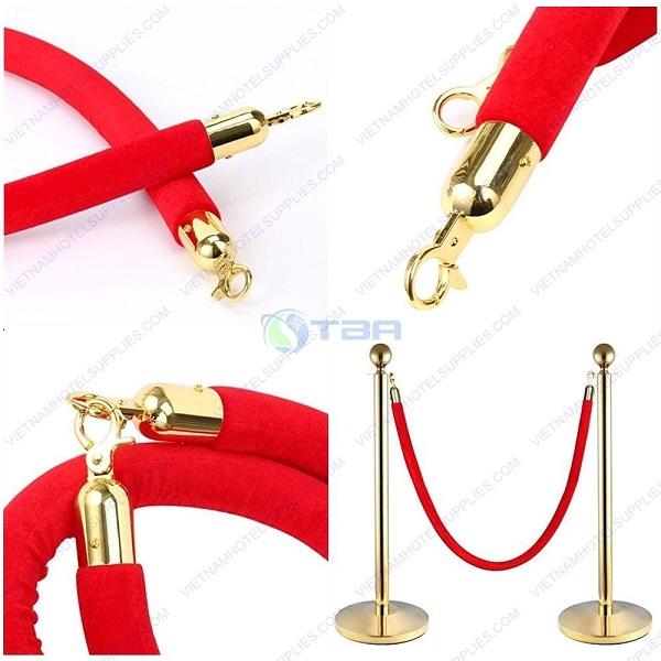 Cột chắn inox đầu tròn dây nhung đỏ móc khóa vàng