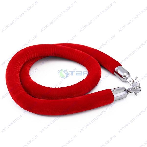 Dây nhung trùng màu đỏ cho trụ chắn